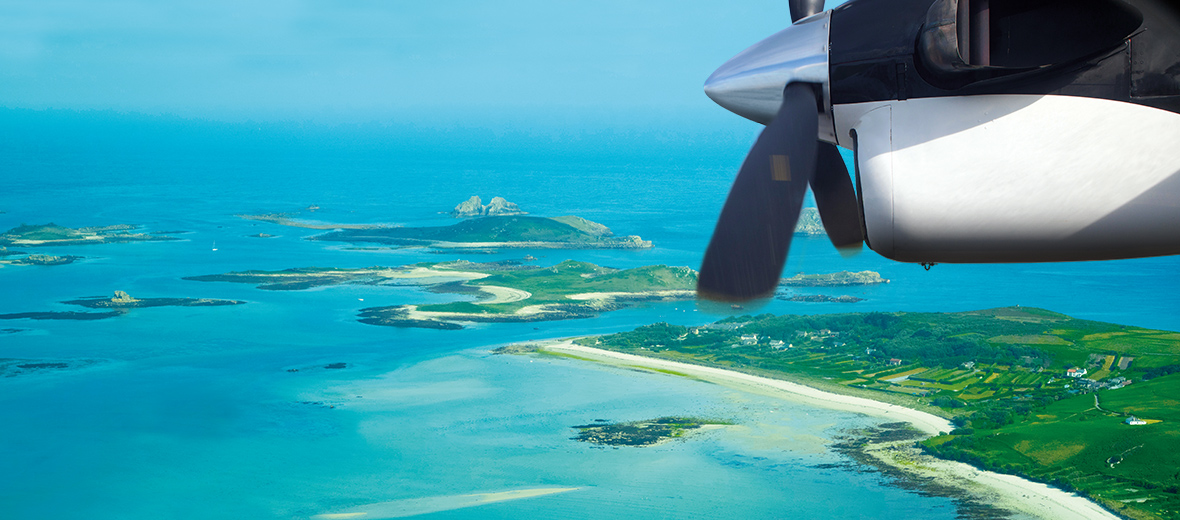islse of scilly The isles of scilly, nestling just 35 miles off the coast of cornwall, are like nowhere else in england outstandingly beautiful, uncrowded and unspoilt.