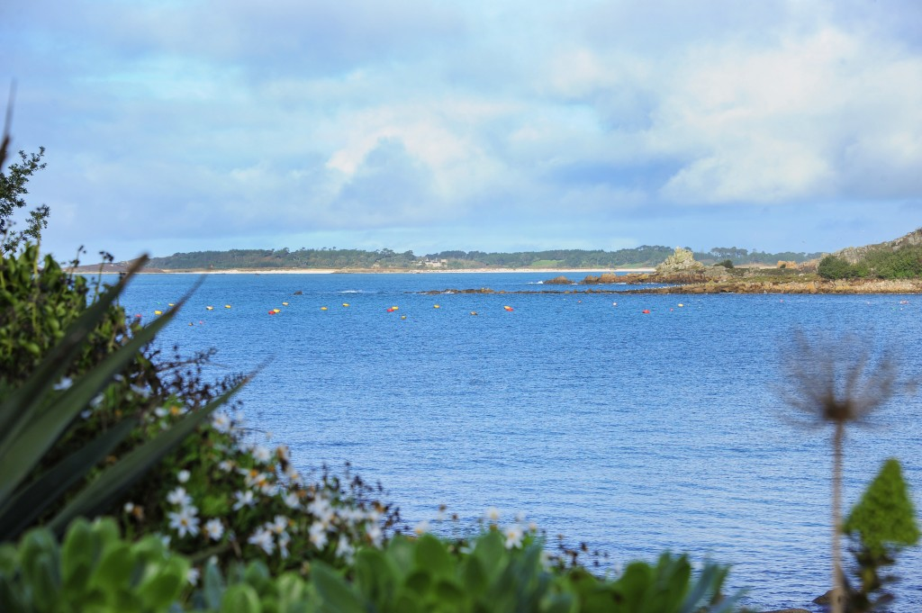 Fly From The Scilly Islands To Land S End